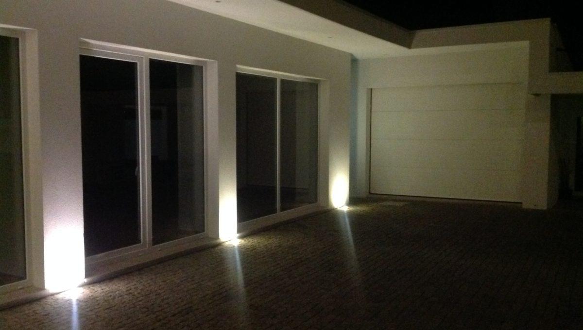 Garagem noite